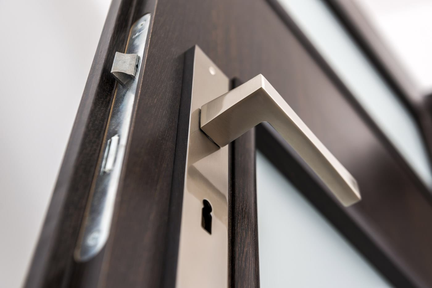 Define the look of your bespoke windows by choosing the right handles. Window handle styles include monkey tail, tear drop & standard designs in a range of colours & finishes. Select matching furniture to complete the look.
